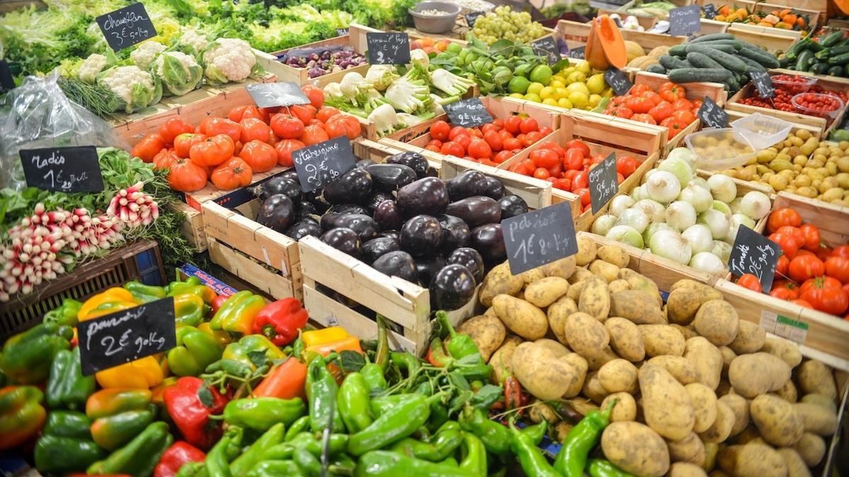 Il rischio nel piatto: misurato il contenuto di nanoplastiche in frutta e ortaggi