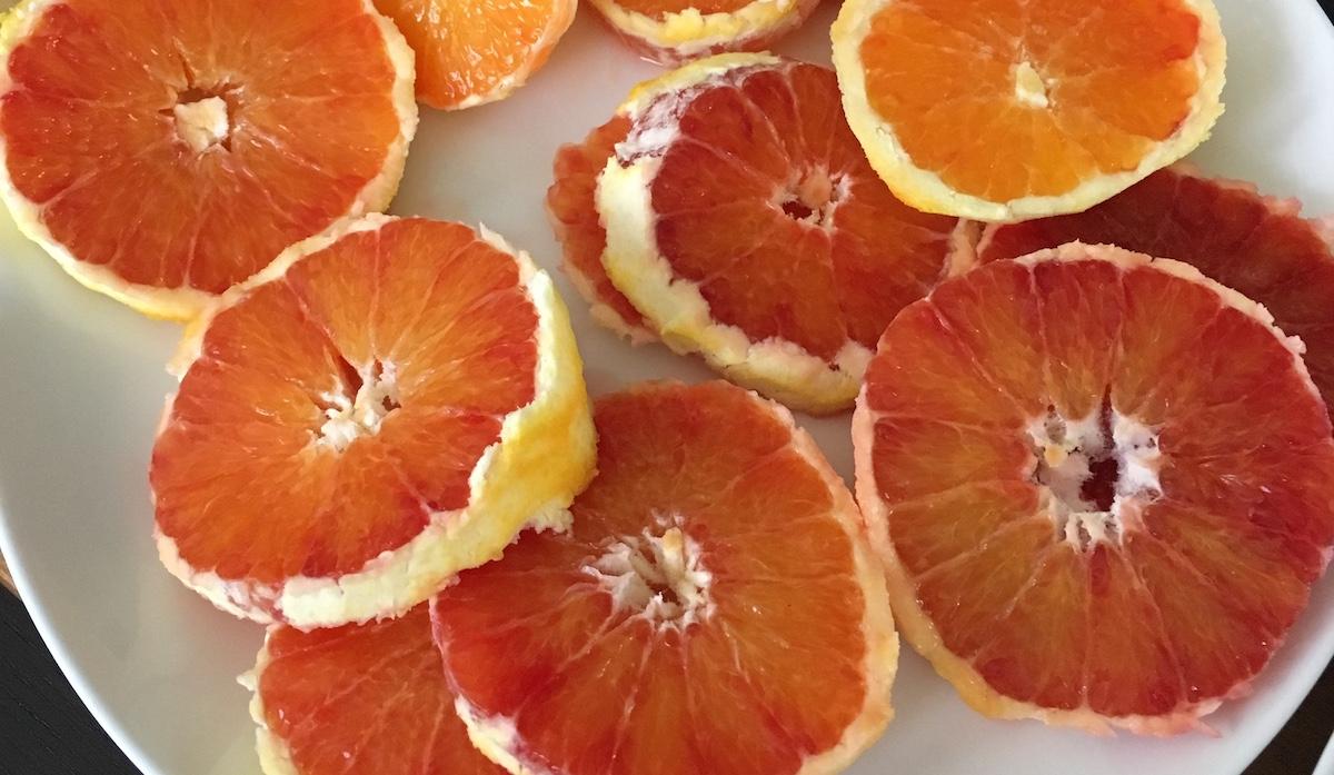 Arance rosse dall'Australia in attesa di mangiare quelle siciliane