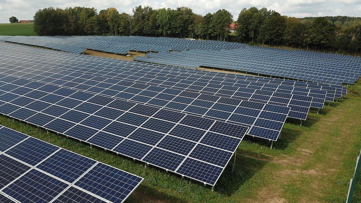 Allarme dei Verdi: il fotovoltaico rischia di tornare nei campi agricoli