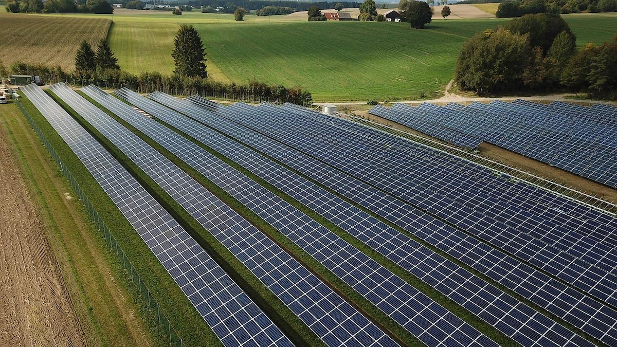 Fotovoltaico e agricoltura senza conflitti con piano energetico rurale